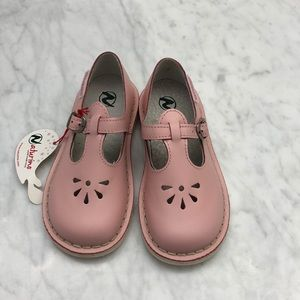 Naturino pink leather May Jane 25